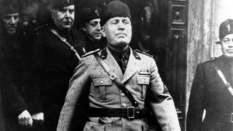 Cini Berani Kritik Mussolini