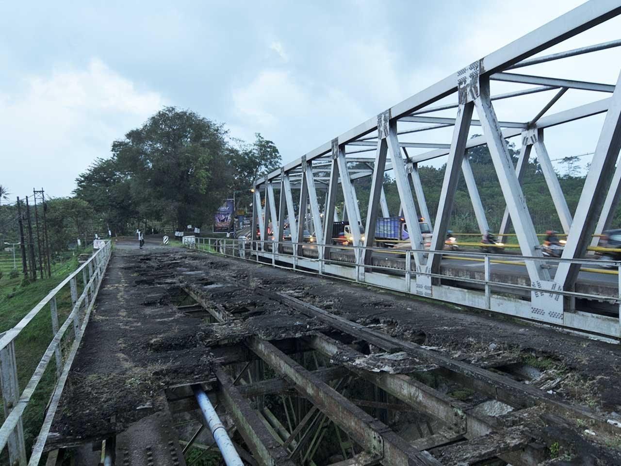 Gambar Gambar Kisah Jembatan Maut Historia Mewarnai Gambarminimalis