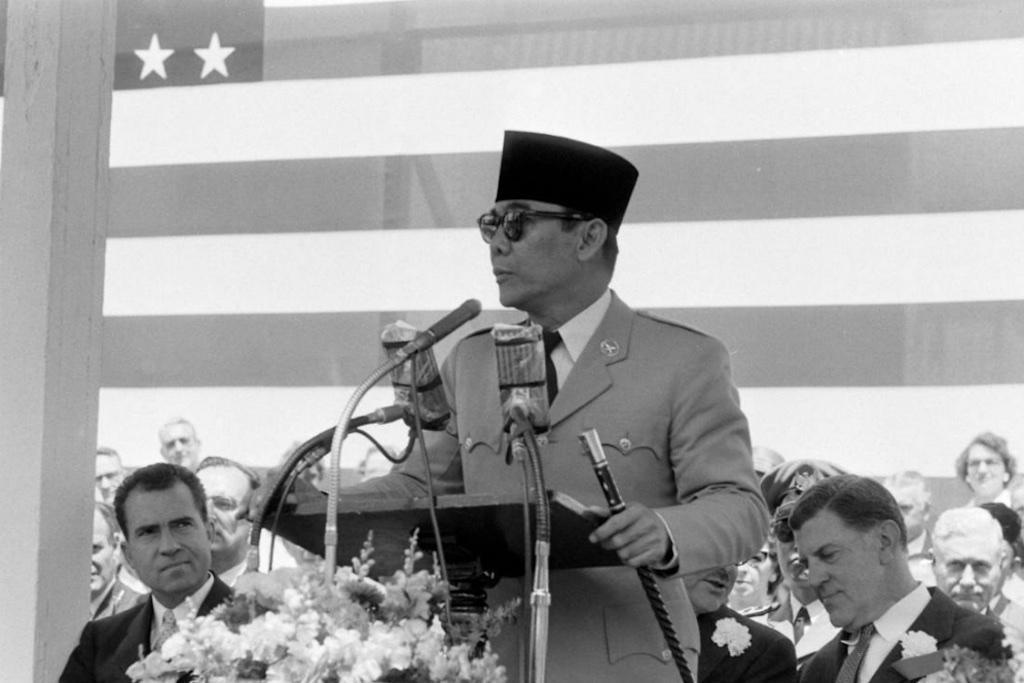 Gaya Busana Pemimpin Asia Tenggara