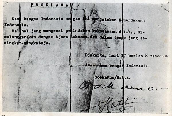 Kisruh Penandatanganan Naskah Proklamasi. Naskah Proklamasi otentik hasil  ketikan Sayuti Melik yang dibacakan pada 17 Agustus 1945. c554ca55b9