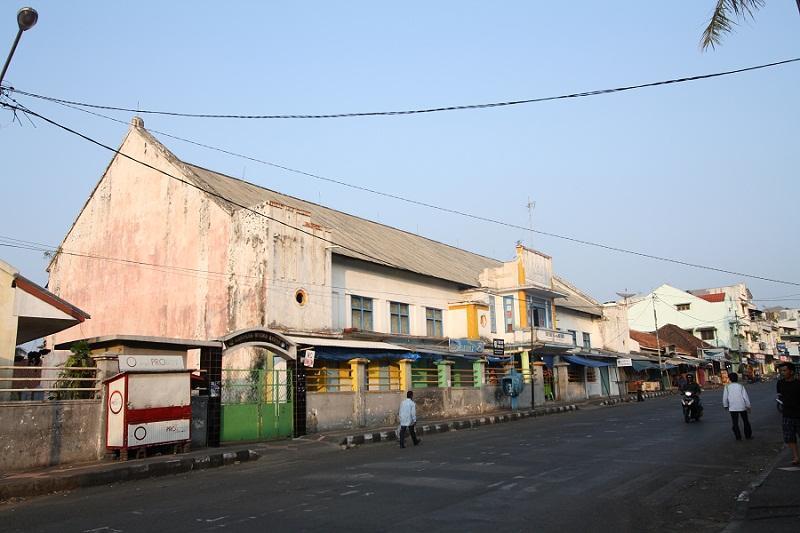 Kisah Cinta Sang Biduan di Cianjur