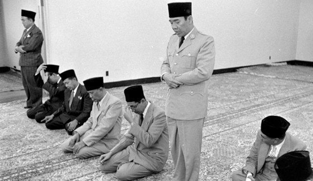 Sukarno dan Anjingnya
