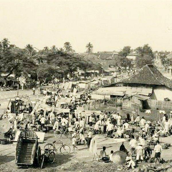 Pasang Surut Pasar Tanah Abang Historia