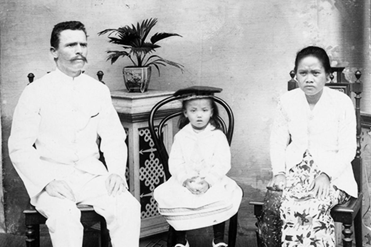 Kisah Nyai dan Para Lelaki Kolonial yang Kesepian