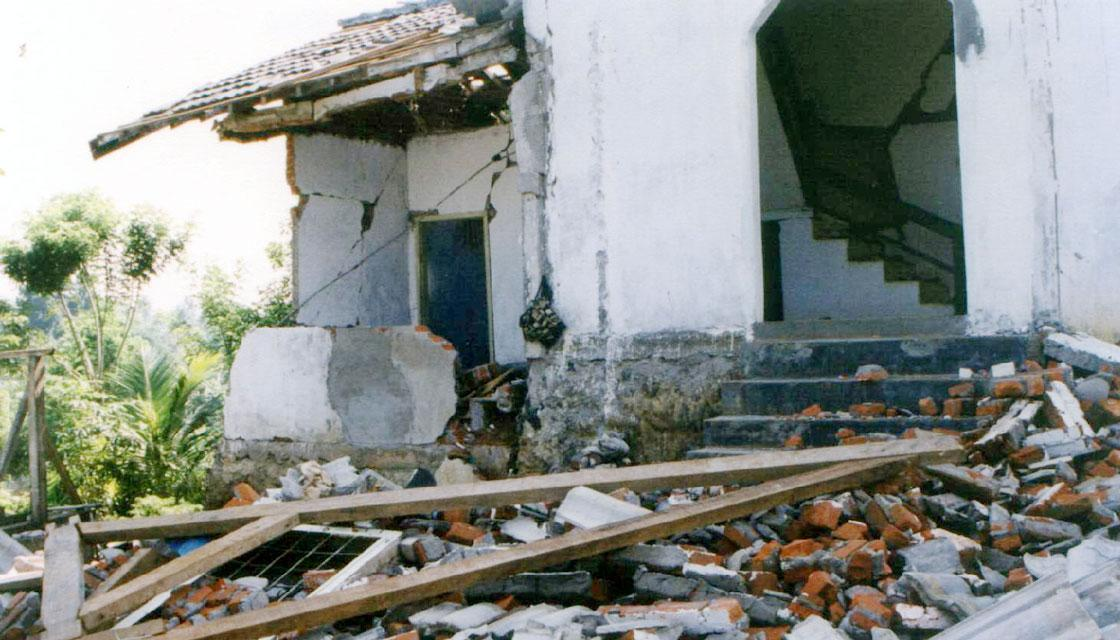 Sepuluh Gempa Dahsyat di Indonesia Sepanjang Abad 20