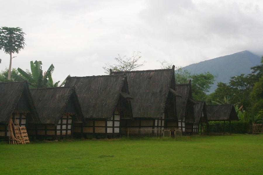 Kampung Sindangbarang Menghadirkan Sejarah dan Budaya Sunda