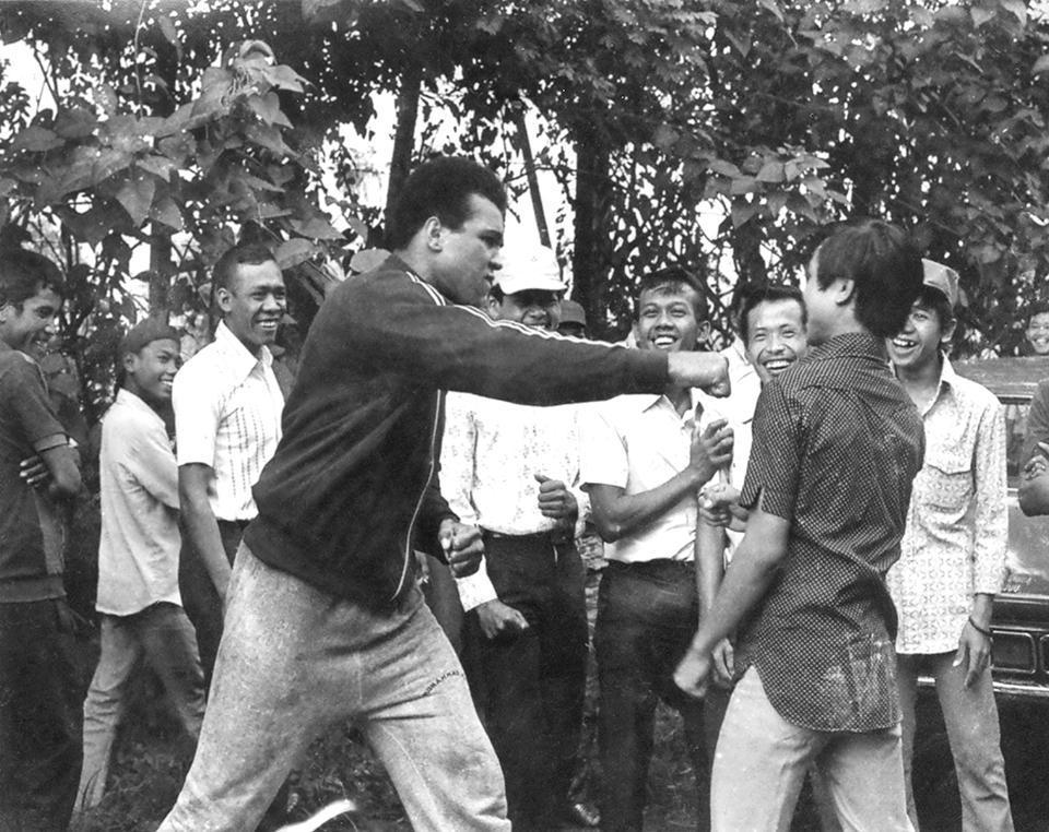 Tinju Kiri Ali di Jakarta