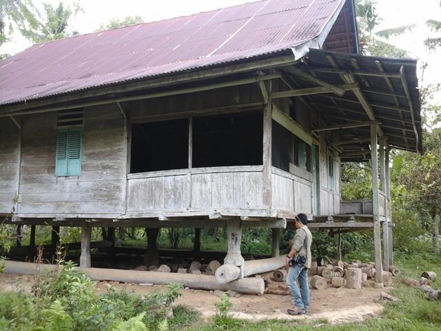 Hilangnya Rumah Komunal di Sulawesi