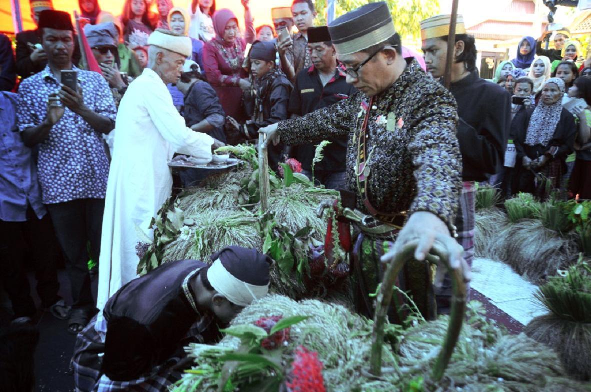 Ritual Panen Raya Kerajaan Adat Marusu di Sulawesi Selatan