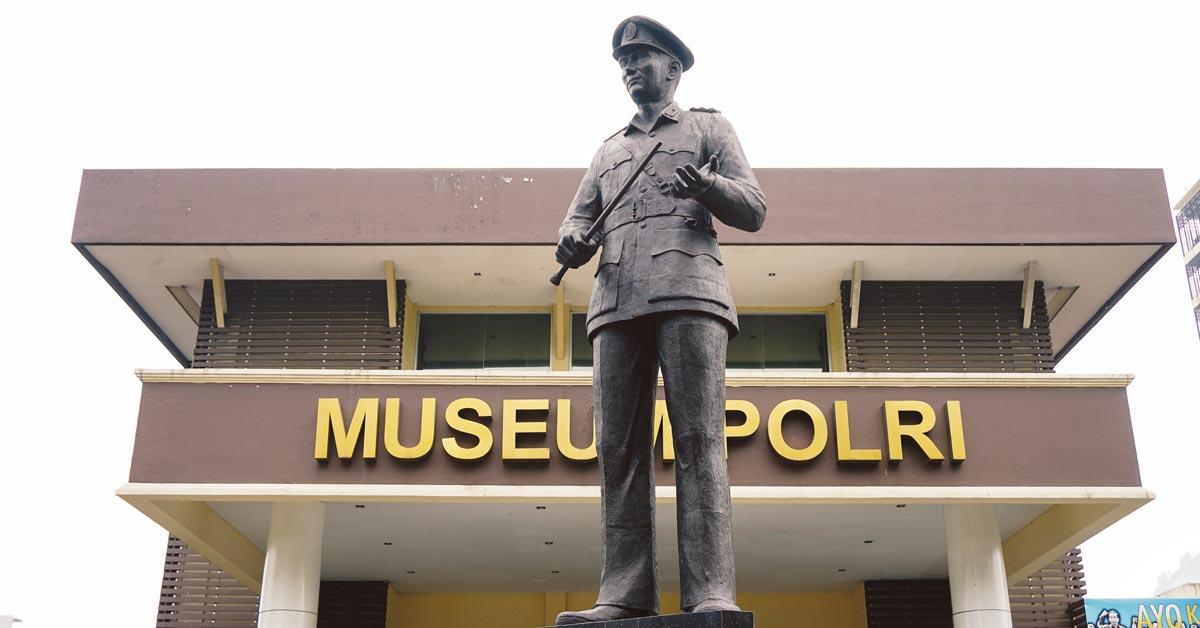 Patung Kapolri di Museum Polri