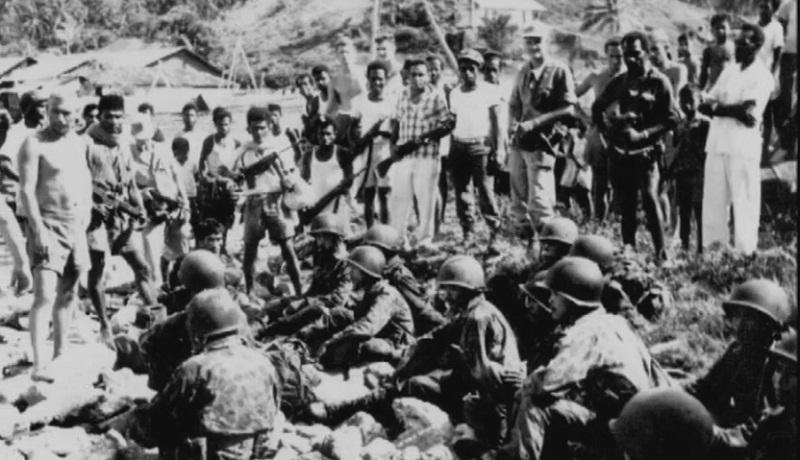 Pasukan Penerjun Operasi Naga Kesasar di Hutan Papua - Historia