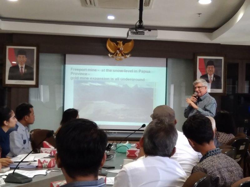 CIA Menggulingkan Sukarno demi Emas di Papua