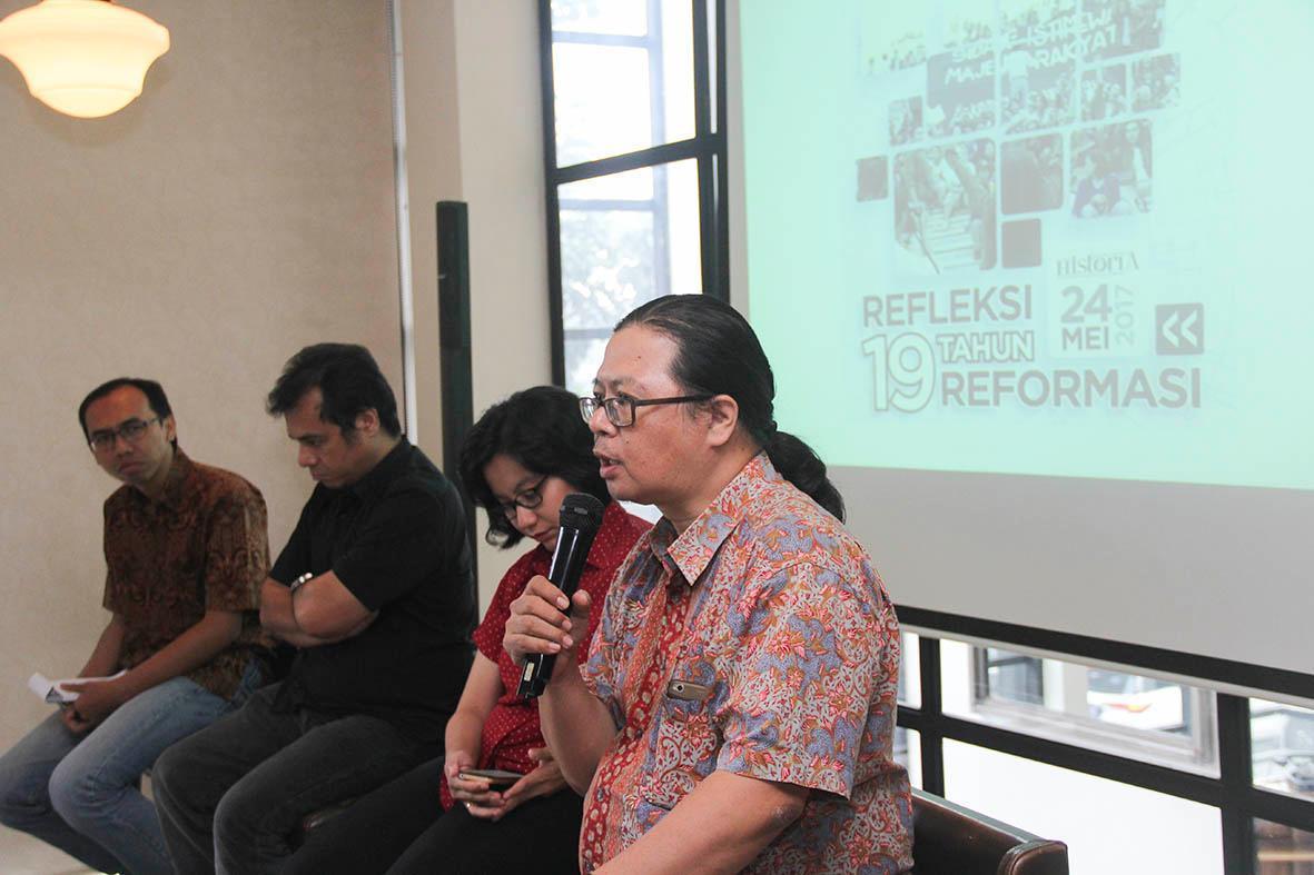 Jebakan Hoax dari Rezim Soeharto hingga Kini